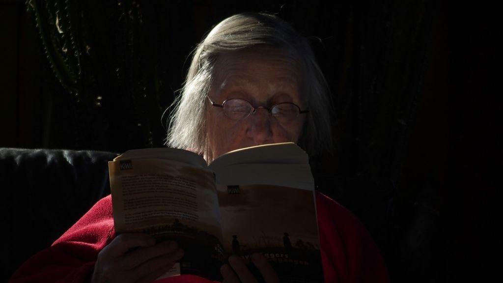 Leer a oscuras perjudica la vista y otros nueve mitos falsos sobre la salud