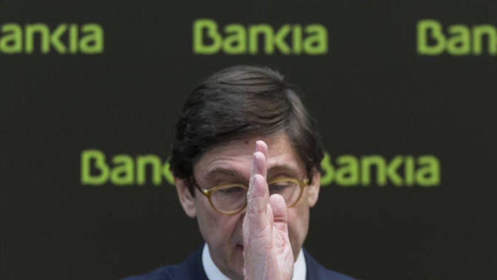 Los sindicatos aplauden el acuerdo mientras que la bolsa cae y Bankia se despeña