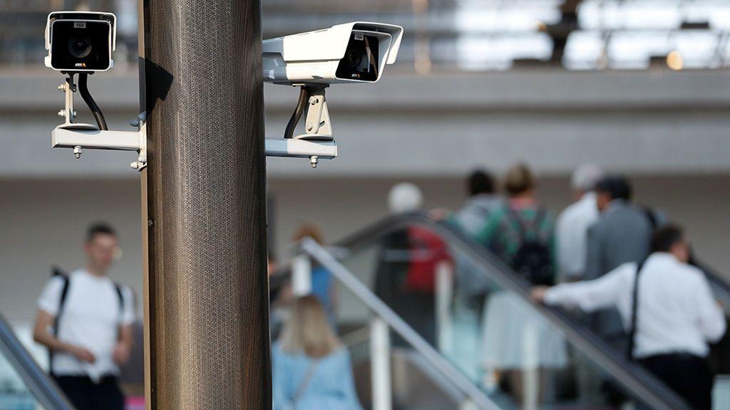 Las cámaras de seguridad falsas también pueden vulnerar la intimidad, según el Supremo