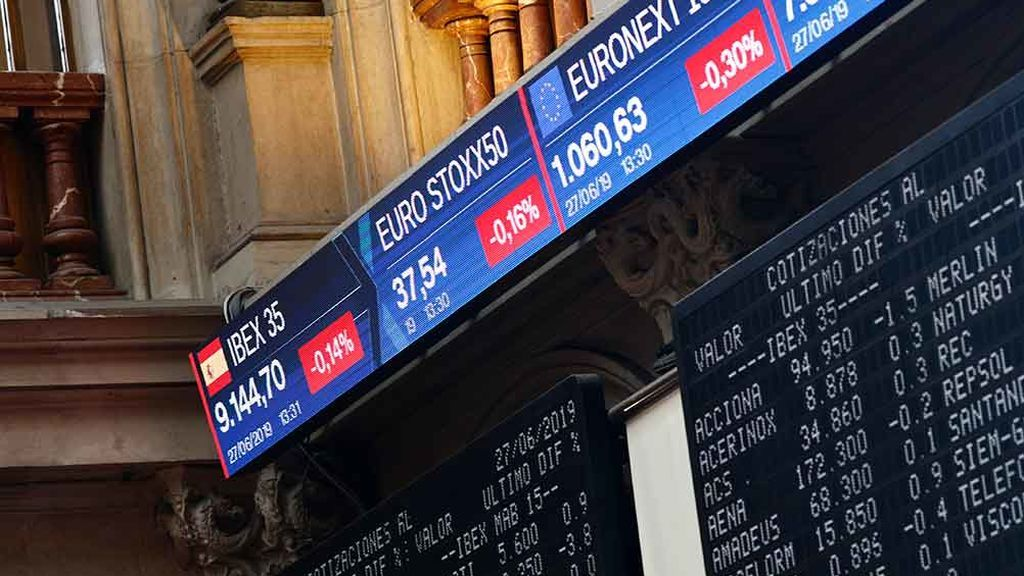 La banca lastra la bolsa y el Ibex 35 ahonda en las pérdidas tras el acuerdo de Gobierno
