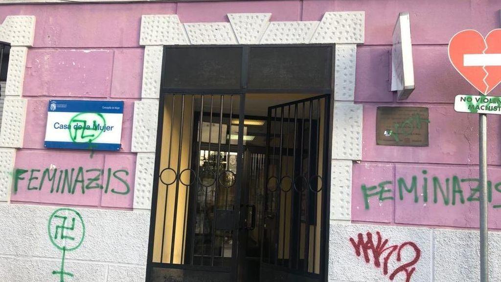 Maricas fuera y feminazis: las pintadas que empiezan a dar miedo en España