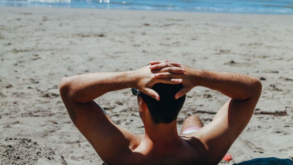 Asolearse el ano: la nueva forma de tomar el sol de lo que casi siempre está a la sombra