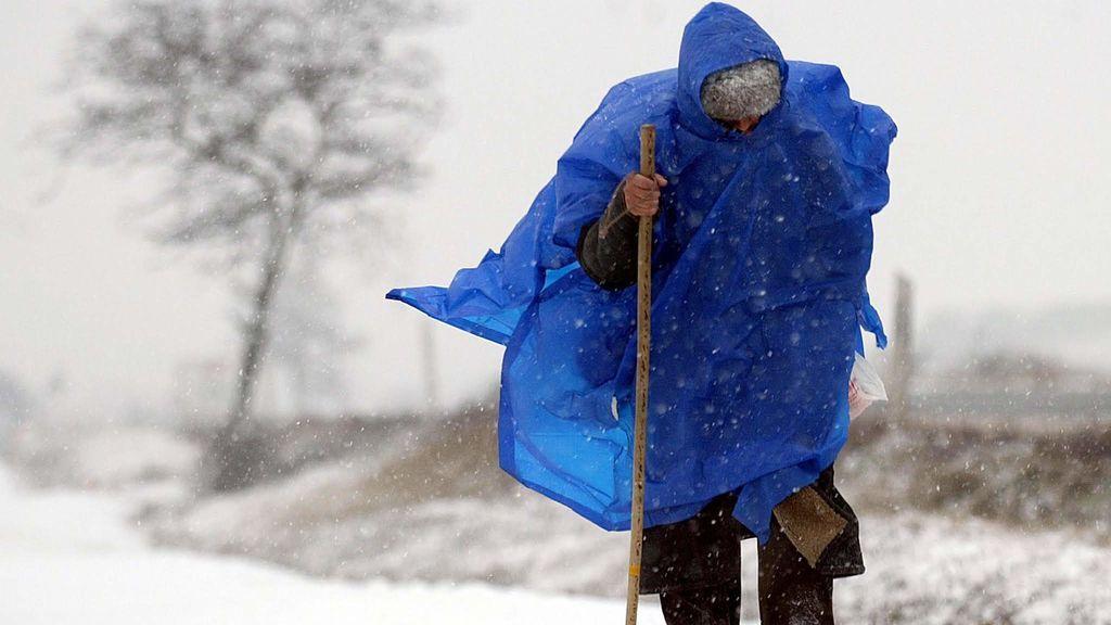 Avisos en 40 provincias: precaución con la nieve, el viento el fuerte oleaje