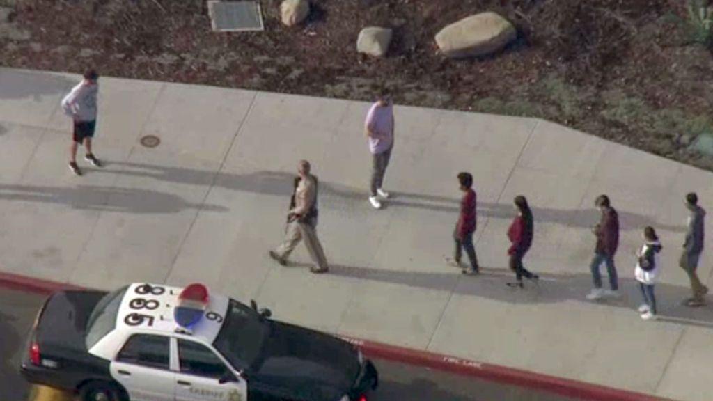 Un estudiante desata el terror abriendo fuego en un instituto de Santa Clarita: hay 7 heridos