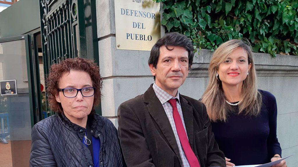"""Docentes catalanes se quejan ante el Defensor del Pueblo de que sus universidades """"vulneran"""" la libertad ideológica"""