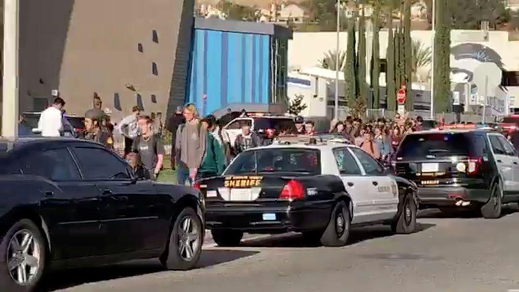 """""""Mañana nos divertiremos en el instituto"""": el mensaje en redes del autor del tiroteo en un instituto de California"""