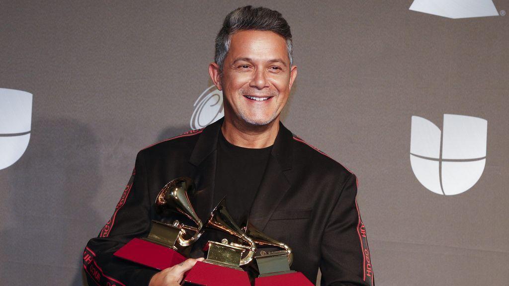 """Alejandro Sanz se acuerda de su madre al recoger el Grammy: """"Hoy hace ocho años que mi mamá nos dejó"""""""