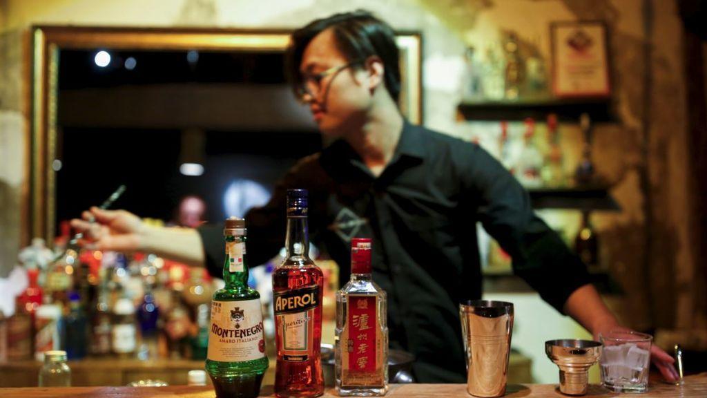 Las cenas de negocios y las nuevas modas occidentales disparan el consumo de alcohol en China