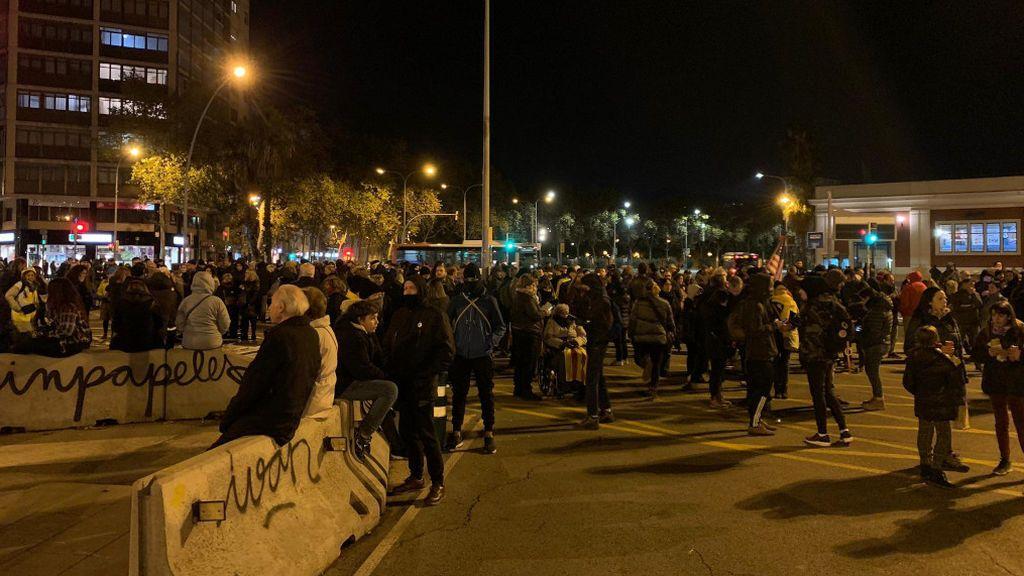 Los CDR cortan la avenida Meridiana de Barcelona una noche más