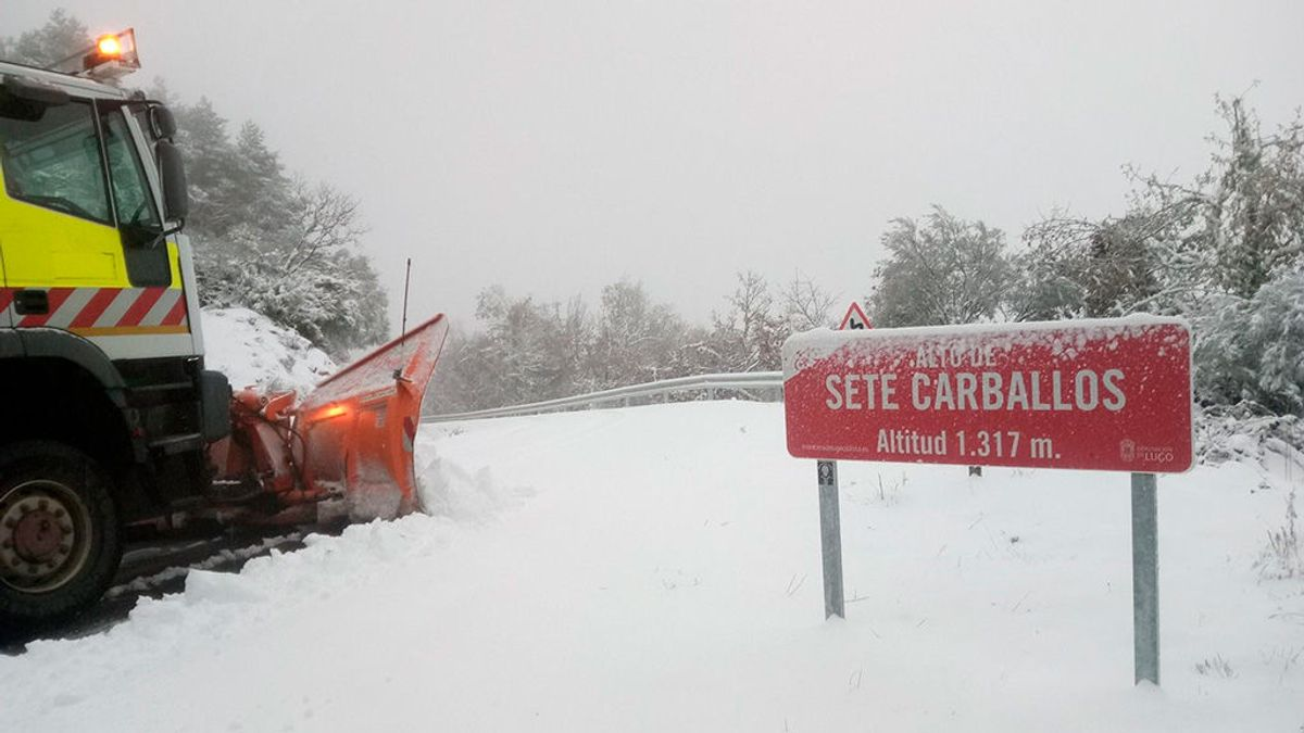 Una docena de provincias en riesgo por nieve, fuerte oleaje, temperaturas bajas y lluvia