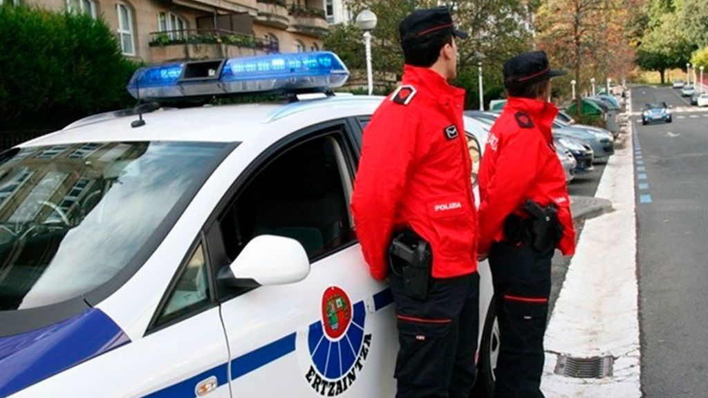 Detenidos dos jóvenes en Bilbao por abusar de una mujer e intentar robarle