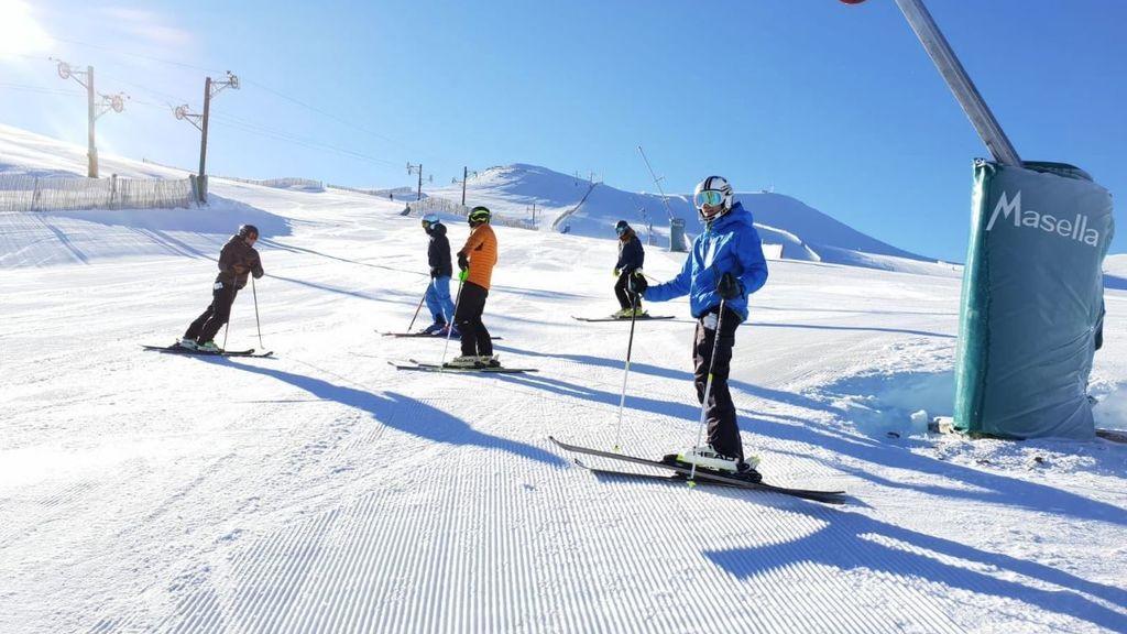 Arranca la temporada de esquí: los primeros aficionados ya disfrutan en Pirineos