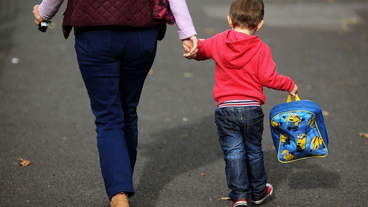 Ser padre en tiempos de guarderías: los niños de 0 a 3 años necesitan estar junto a su familia