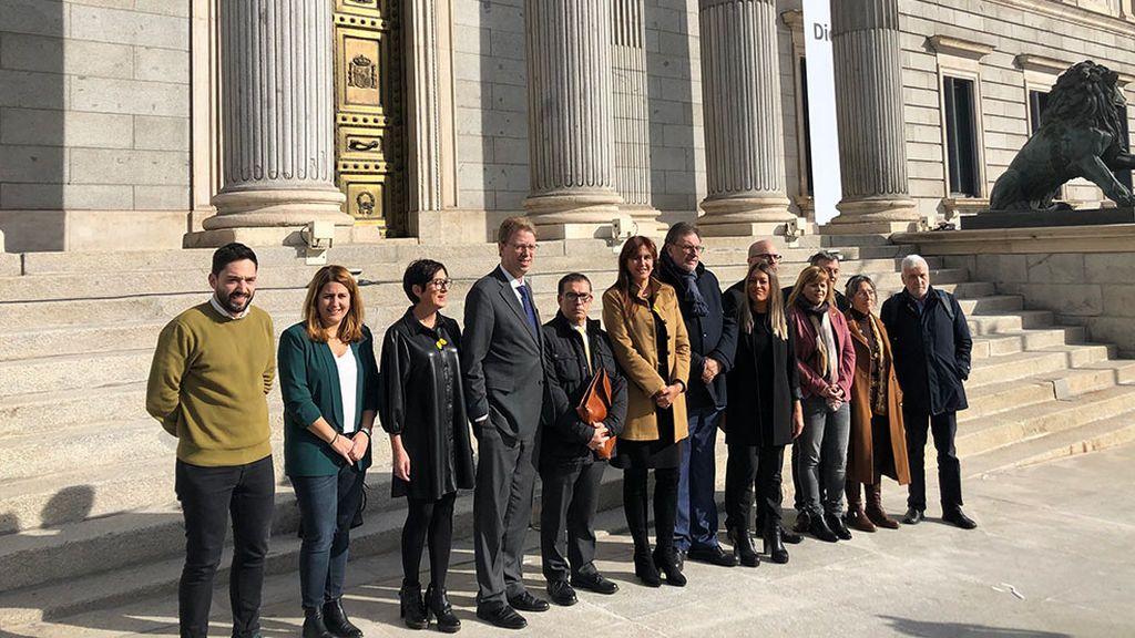 Junts per Catalunya presiona ERC para que vote en contra de la investidura de Sánchez