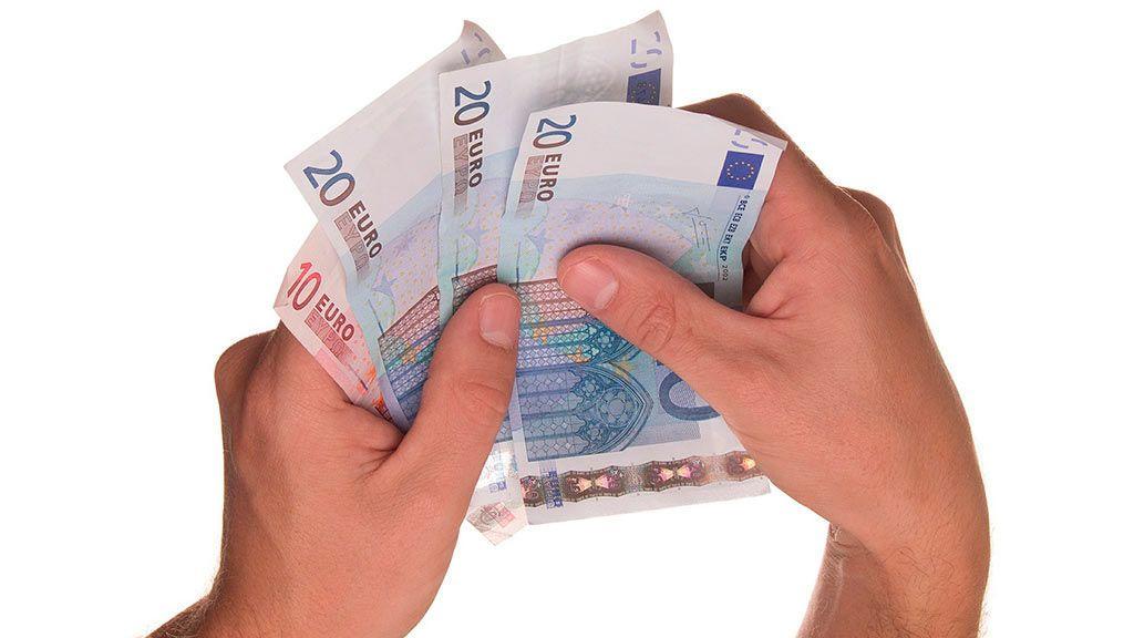 El salario medio de los españoles es 433 euros inferior al de la Unión Europea