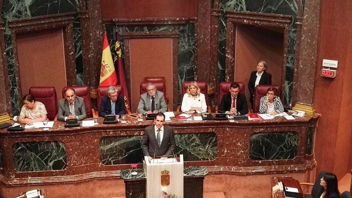 Los diputados de Vox en Murcia se niegan a firmar la declaración en el día del niño