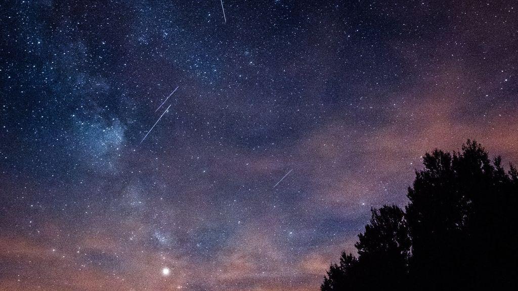 Lluvia de estrellas fugaz y súper intensa: media hora de meteoros el jueves