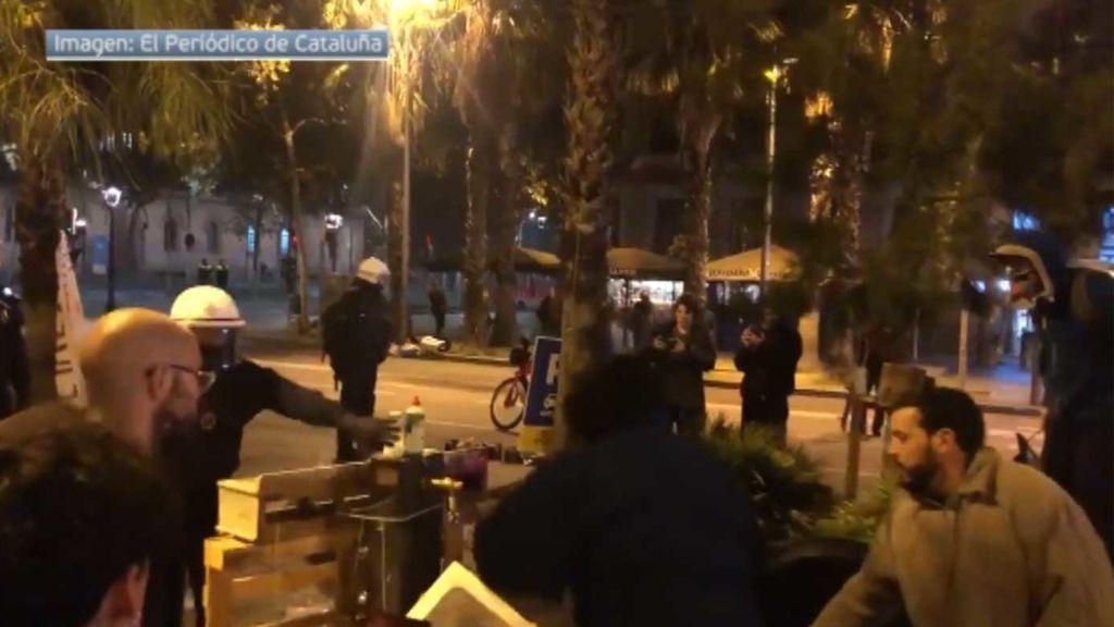 Desalojados los acampados de plaza Universidad
