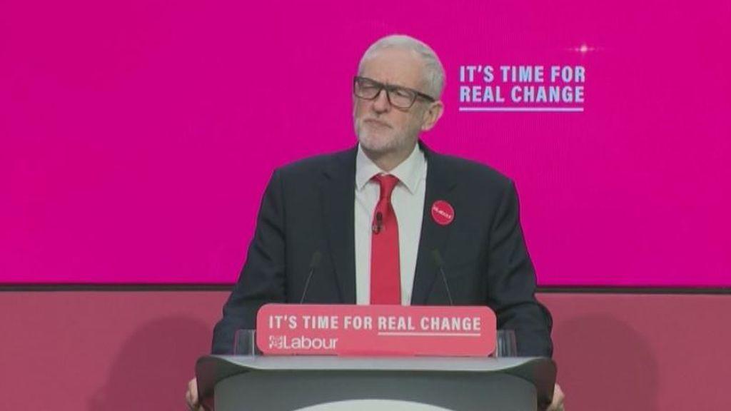 Jeremy Corbyn expone su plan económico para Reino Unido