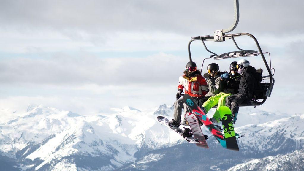 Comienza la temporada de esquí: qué estaciones abren el fin de semana gracias a las últimas nevadas