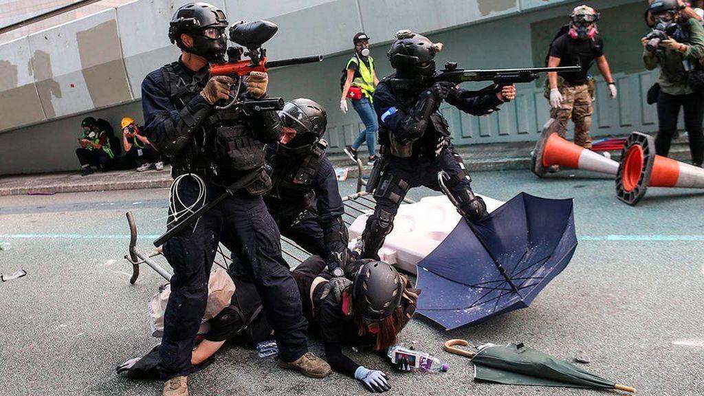 "China, preparada para ""defenderse"" de la ley estadounidense sobre Hong Kong"