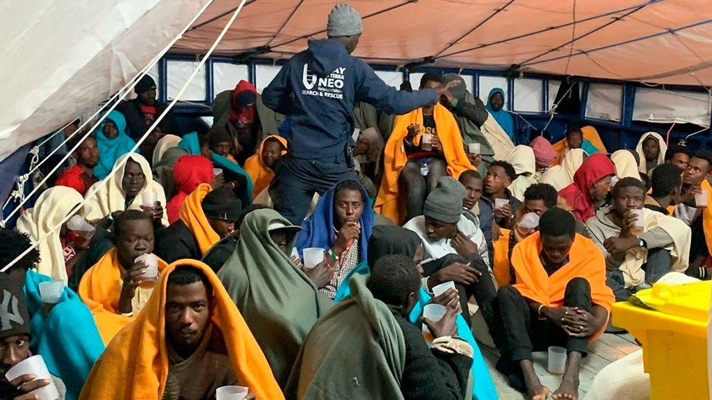 El  buque vasco 'Aita Mari' rescata a 78 personas a la deriva en el Mediterráneo