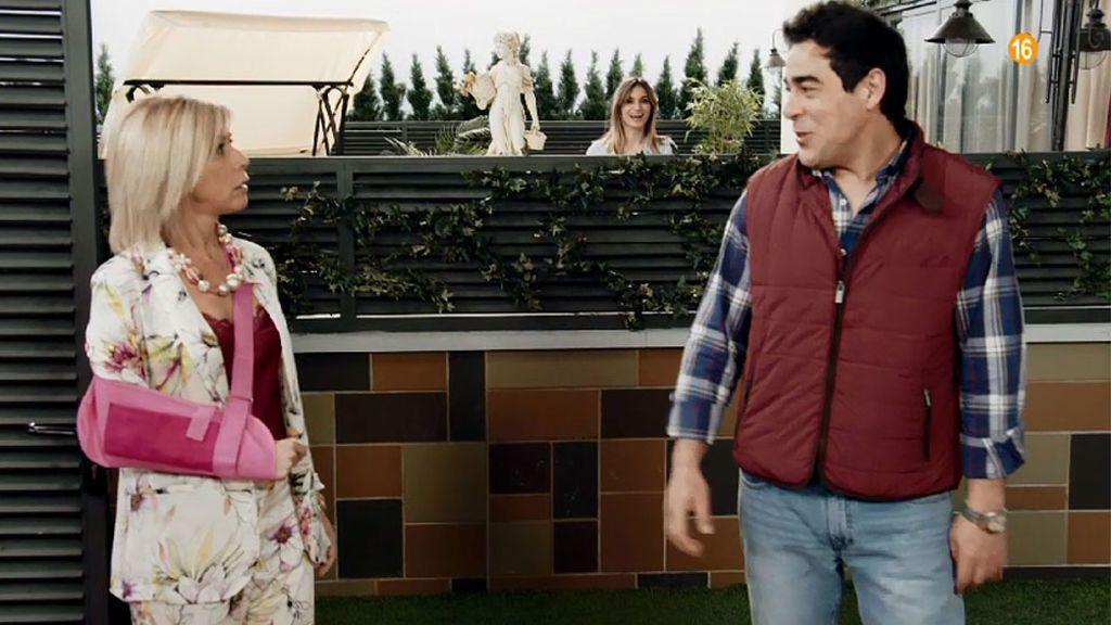 Amador vive con Bárbara en el piso de la Cuqui