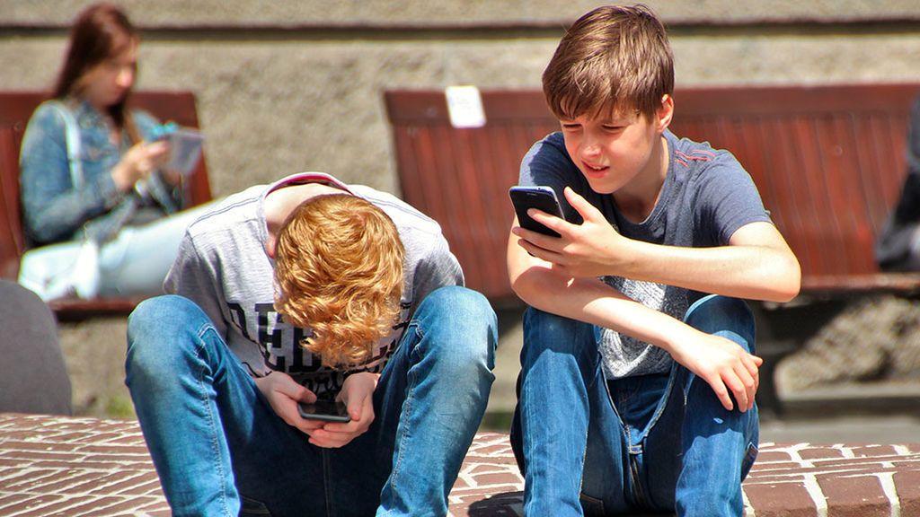 """Fernando Alberca: """"El universo digital es sobre todo emocional y los padres no sabemos de emociones"""""""