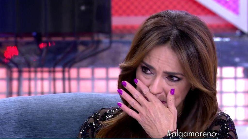 Olga se emociona durante su entrevista