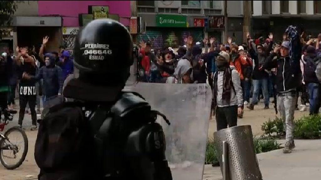 Cacerolada pacífica en Bogotá
