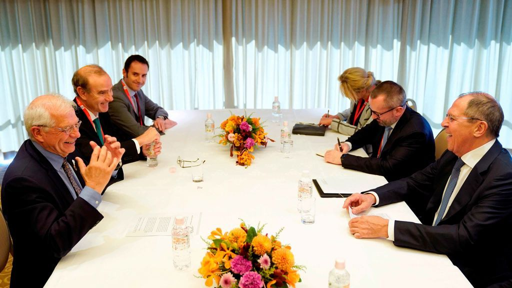 """El canciller ruso le dice aBorrellque """"no sabe nada"""" sobre espionaje en Cataluña"""