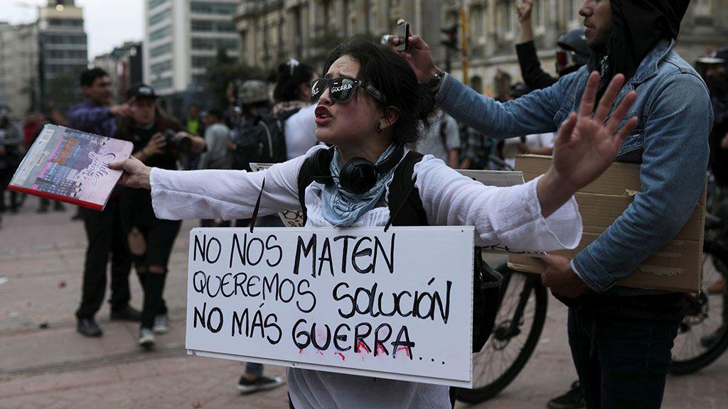 Las manifestaciones continúan en Colombia pese a la represión policial -  NIUS