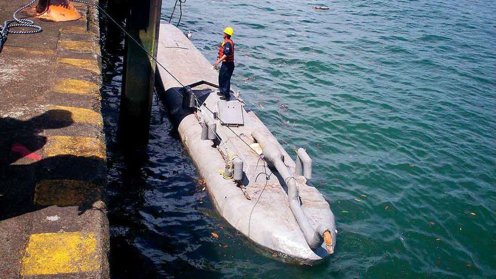 Dos personas detenidas en Cangas cuando transportaban 2.000 kilos de cocaína en un submarino