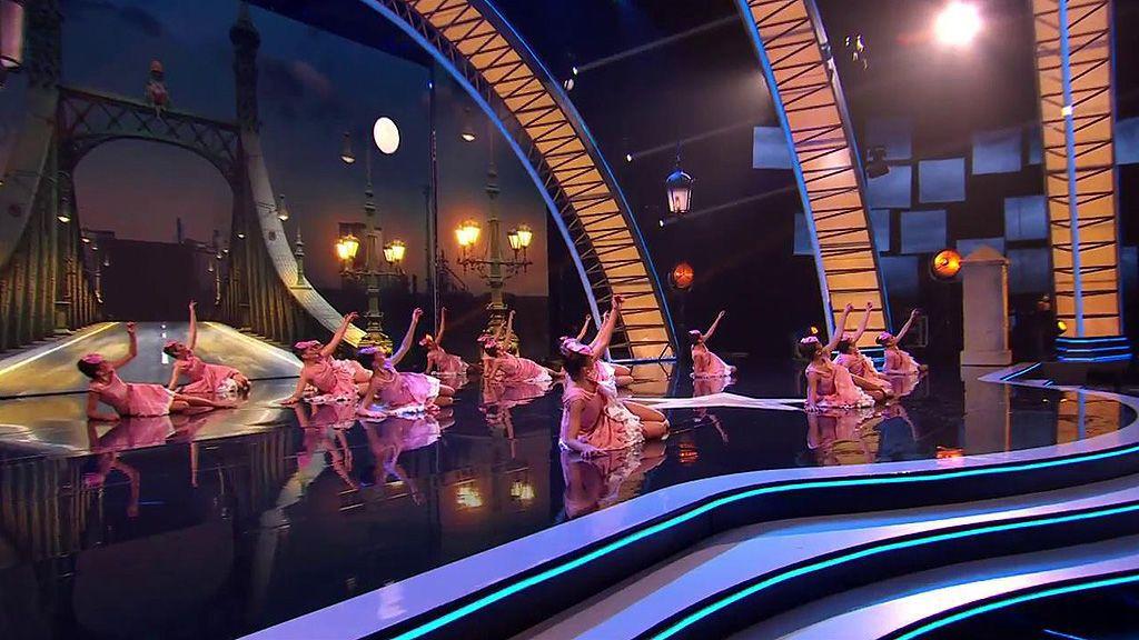 Danza.es bailan por la libertad y acaban su coreografía entre lágrimas y abrazos