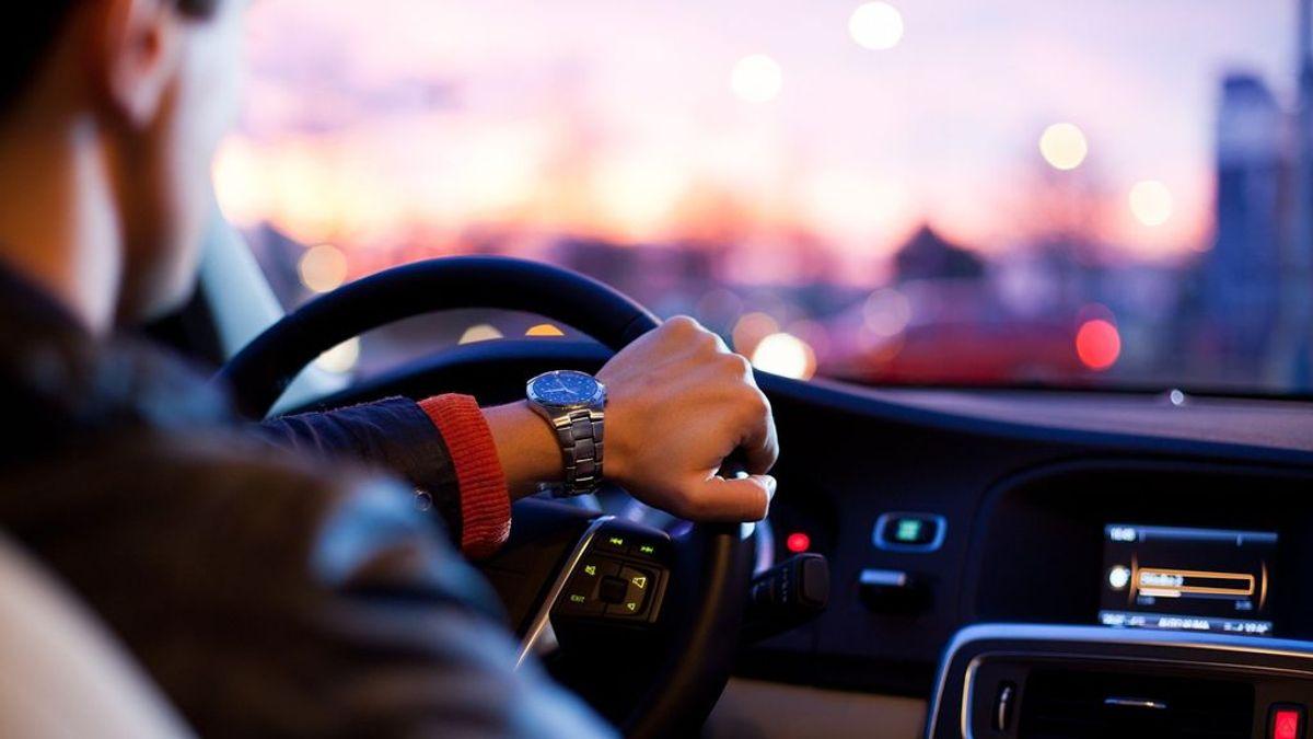 Guía de ahorro para comprar un coche: dónde y cuándo te sale de verdad más barato el mismo vehículo