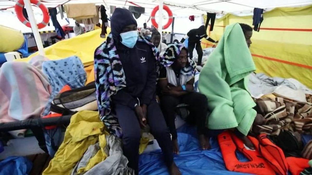 Italia permite el desembarco de 151 migrantes tras cuatro días a la deriva