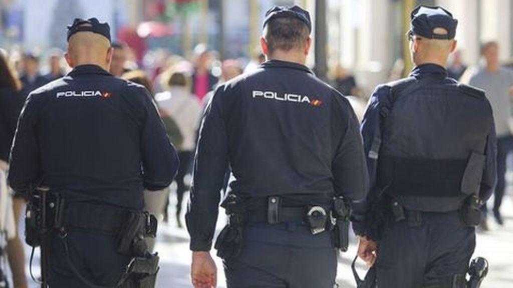 La Policía evita que un presunto maltratador se ahorque mientras su expareja le denunciaba