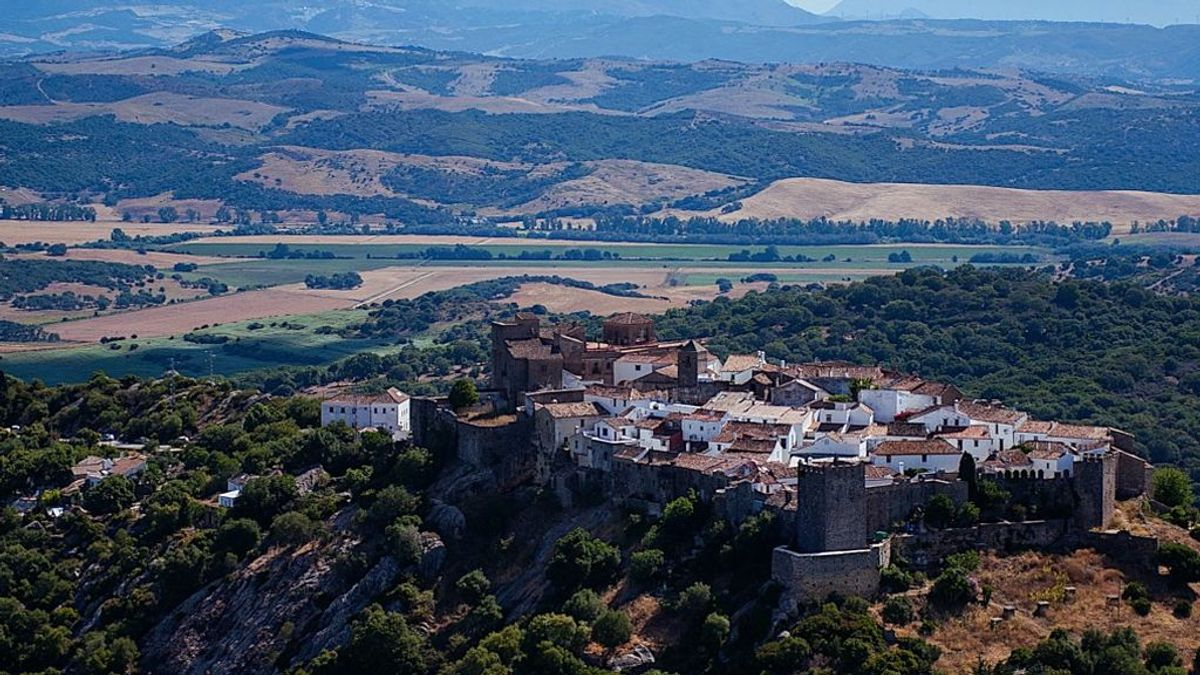 Castellar Viejo, una fortaleza habitada en pleno siglo XXI