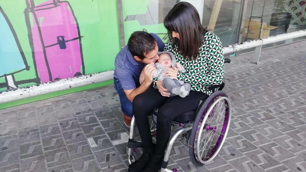 Rafa y su madre en el hospital Vall d'Hebron de Barcelona