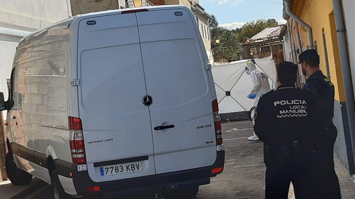 La Guardia Civil en la vivienda de Manuel