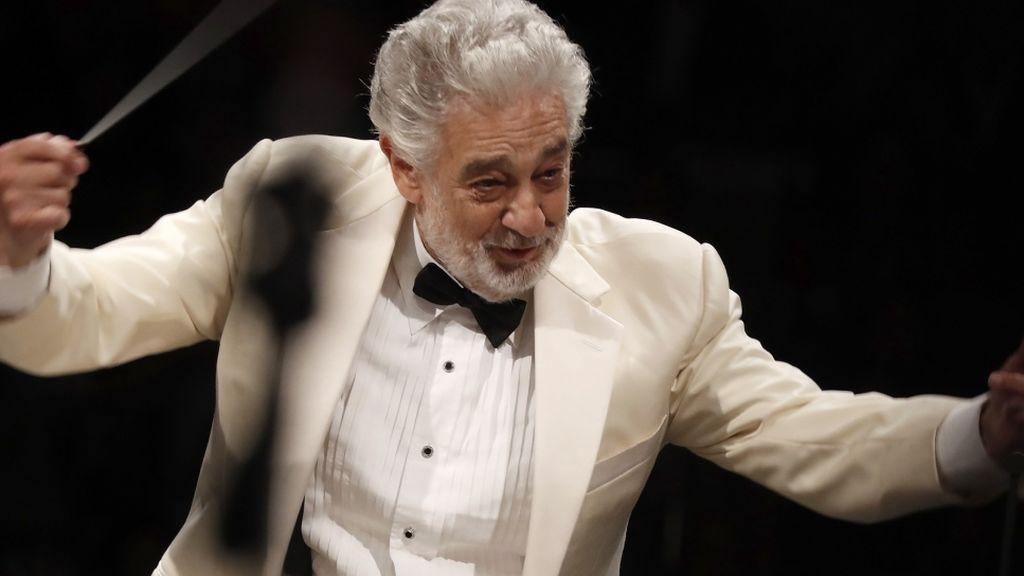 Plácido Domingo cuelga el cartel de 'no hay entradas' en Les Arts de  Valencia