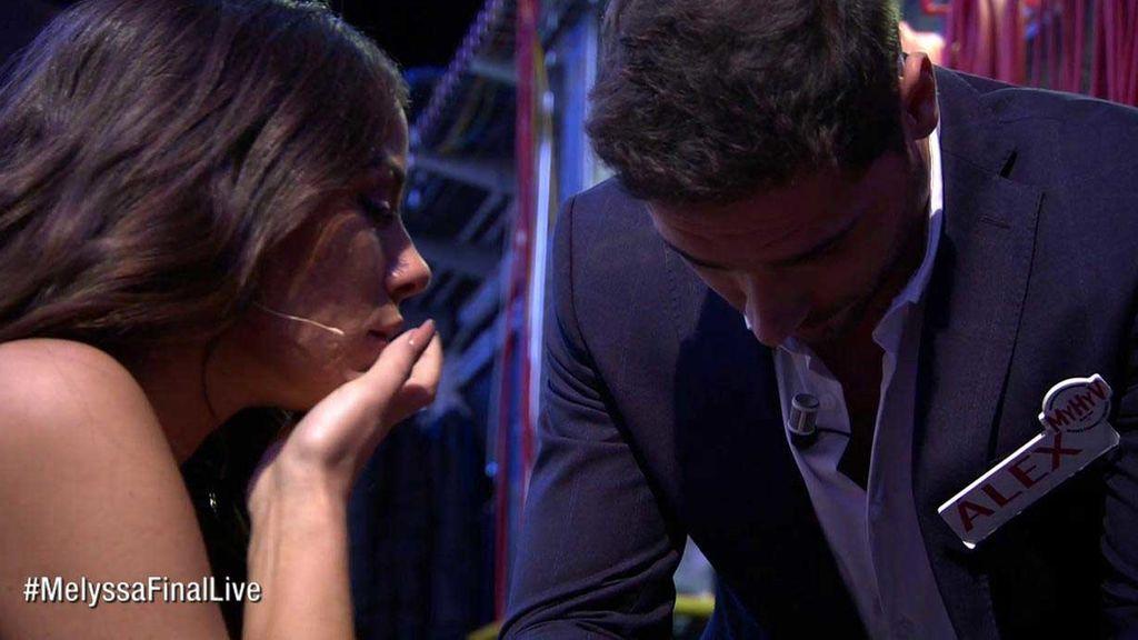Álex rompe a llorar tras la decisión de Melyssa y abandona el plató de 'Myh'