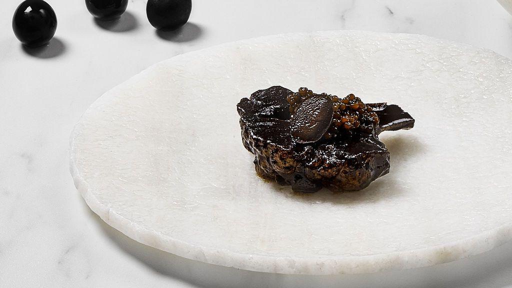 Diego Guerrero incorpora a DSTAgE su 'Aceituna negra y coliflor'