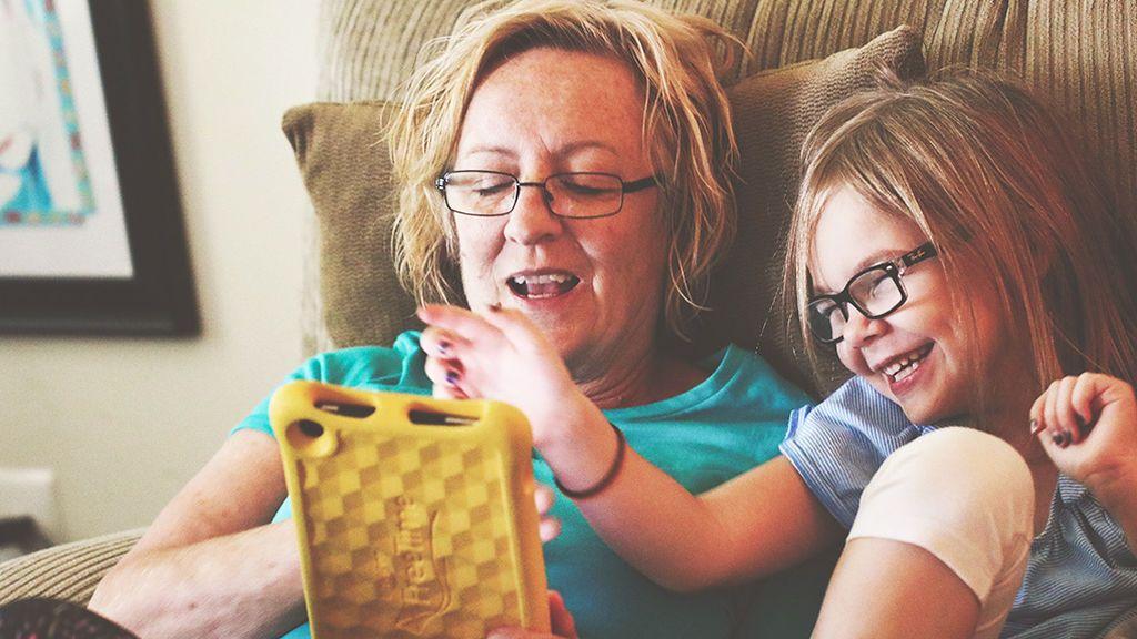NO PUBLICAR Síndrome del pensamiento acelerado: el peligro de nacer con una pantalla bajo el brazo