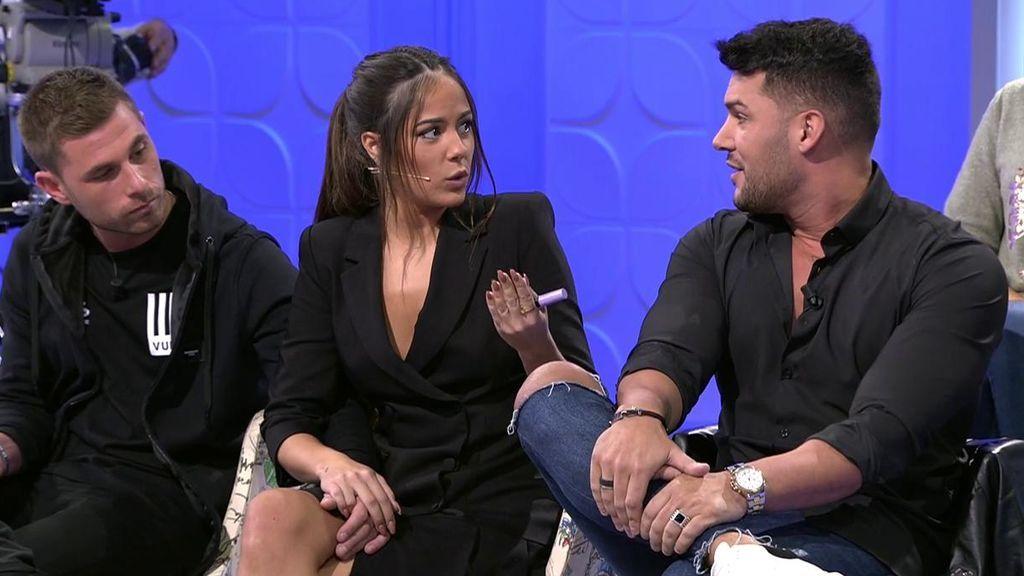 Tensión entre Melyssa y Santana