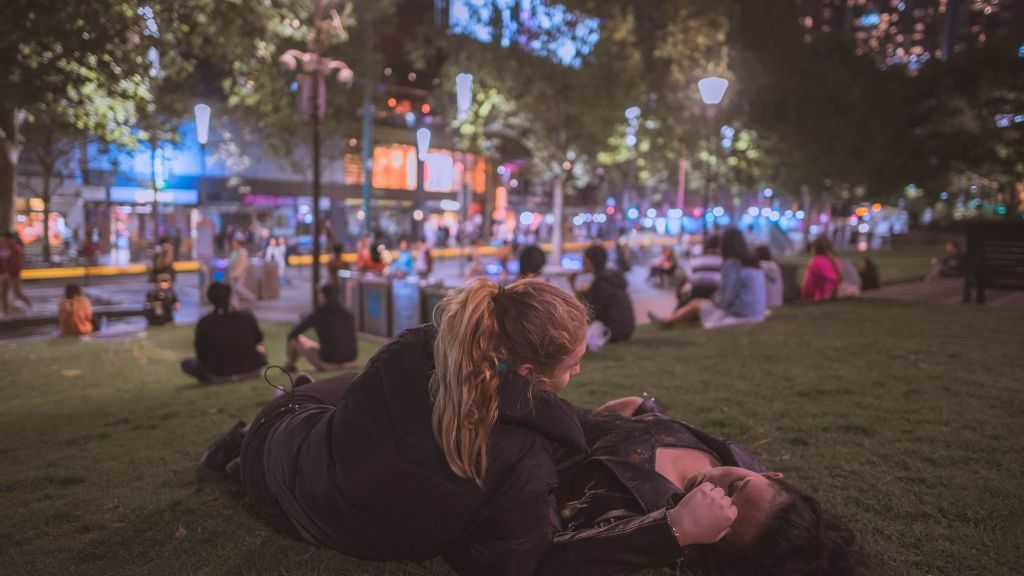 Los más jóvenes están cumpliendo las fantasías de los millennials: sus prácticas favoritas en la cama