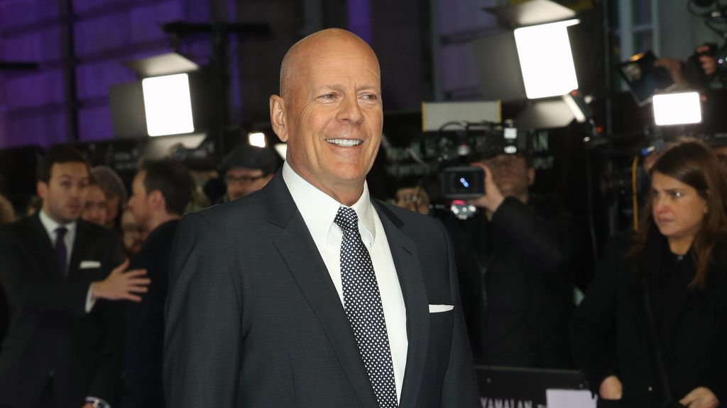 Bruce Willis o cómo convertirse en el tipo duro y sexy  que (casi) todos los hombres querrían ser