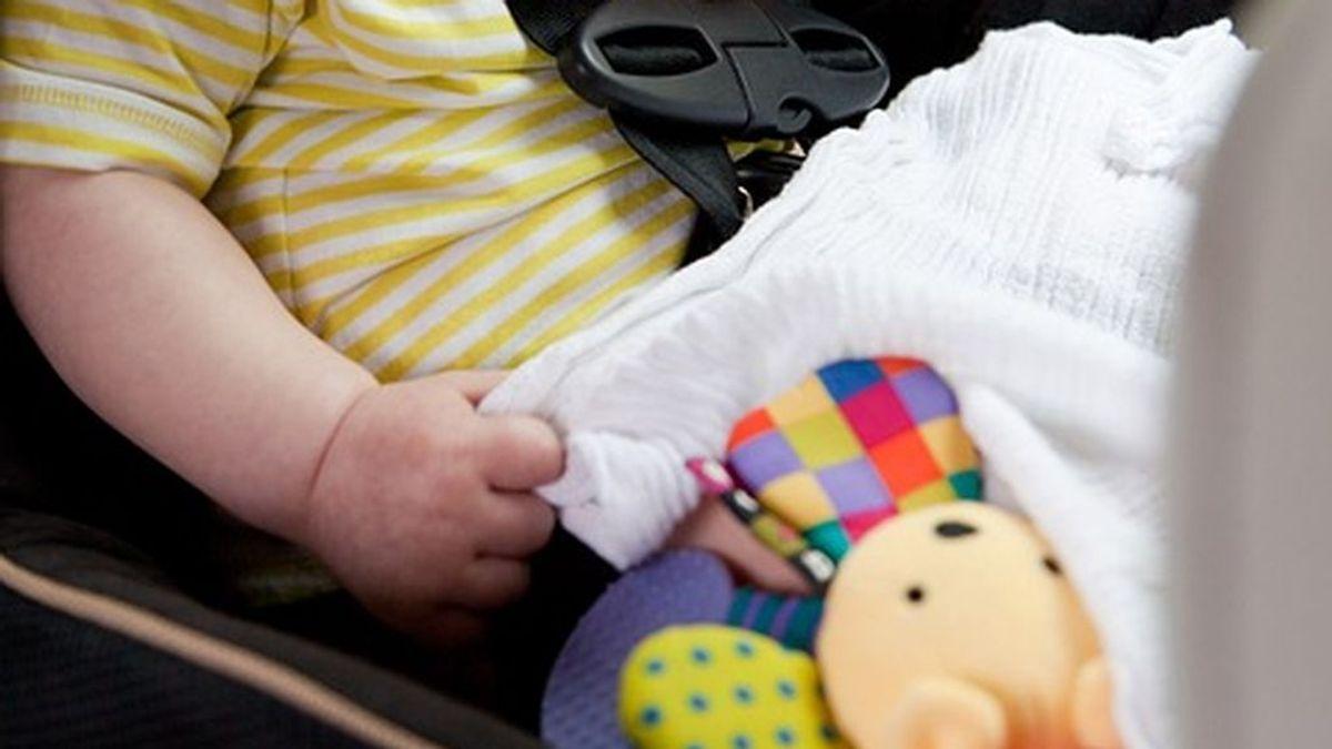 Roban un coche con una niña de un año y medio dentro