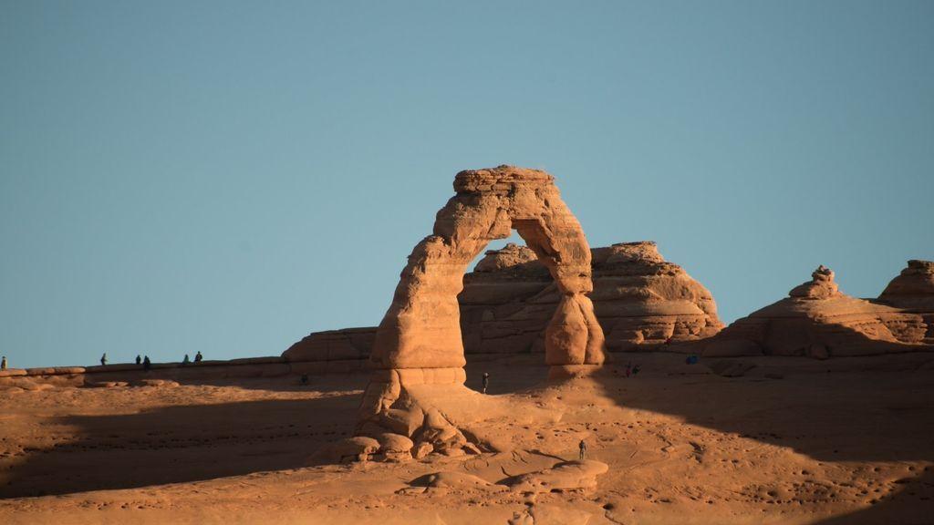 Dos personas mueren tras precipitarse al vacío mientras visitaban el Arco Delicado, en Utah