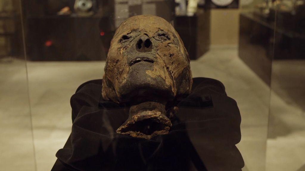 La cabeza de la momia Nefer: voces y ruidos en las psicofonías y mareos y visiones para aquellos que se acercan
